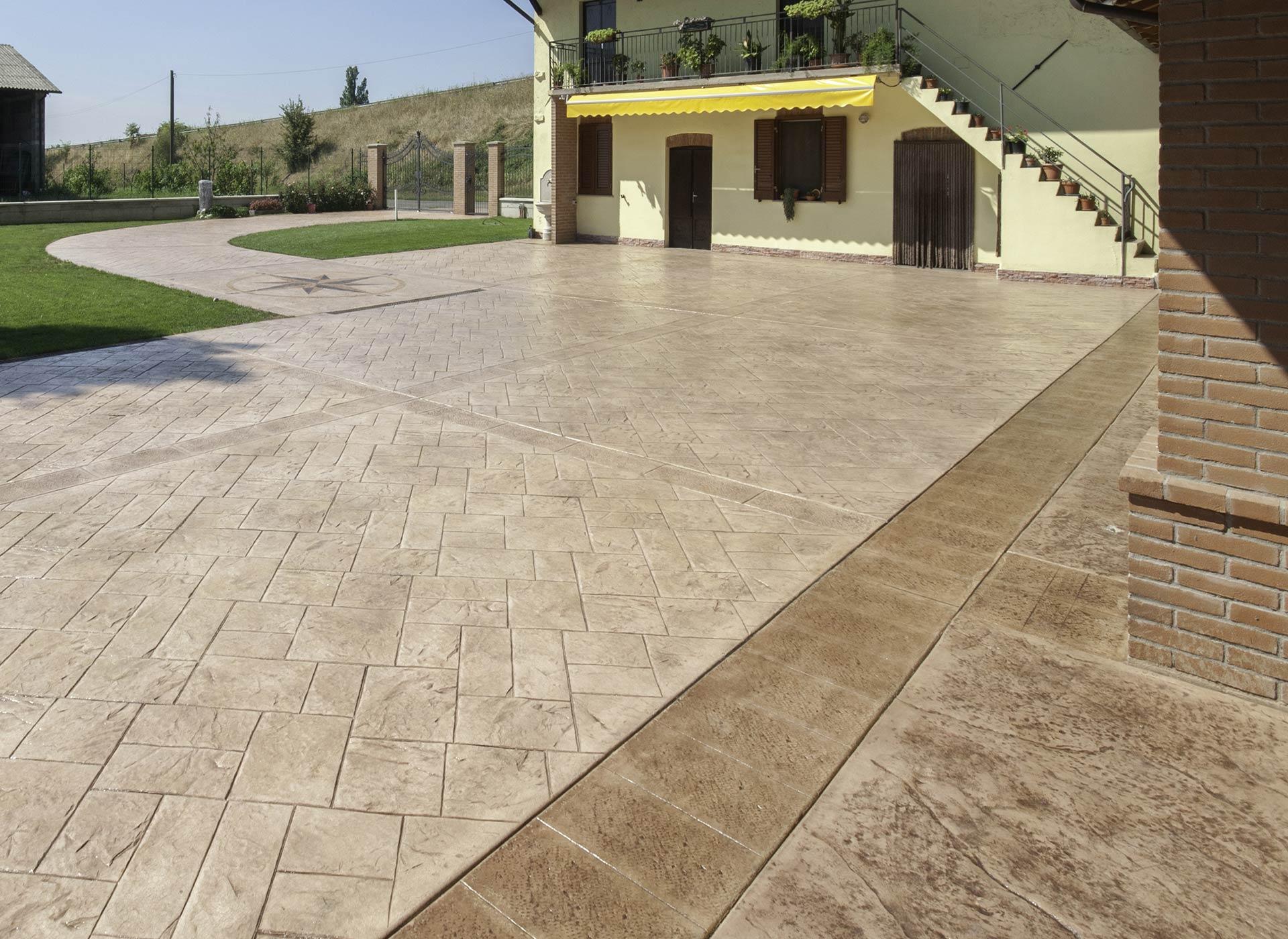 Pavimento zigrinato legno composito marrone tropical - Piastrelle antitrauma prezzi ...